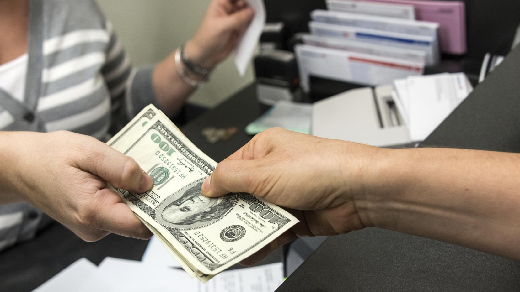 Es posible que necesite un préstamo de negocios para enero y febrero